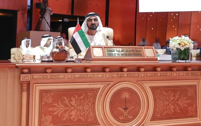 محمد بن راشد خلال مشاركته في أعمال القمة العربية. وام