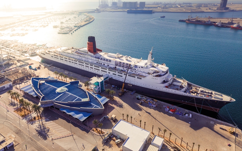 «كوين إليزابيث 2».. تاريخ بحري   في ميناء راشد