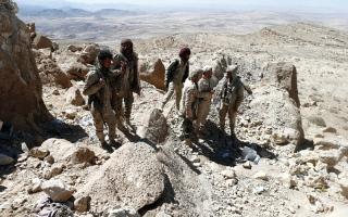 الصورة: المقاومة اليمنية تبدأ عملية عسـكرية واسعة بالساحل الغربي بقيادة طارق عبـدالله صالح