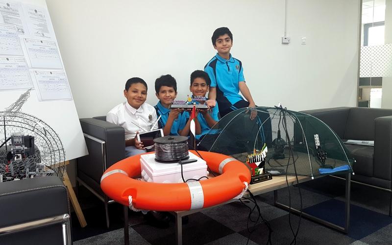 الصورة: 4 طلاب يبتكرون جهازاً لحماية الأسماك في فترة التكاثر