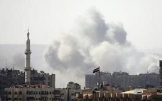 الصورة: «داعش» يقبل الانسحاب من جنــوب دمشق مع استمرار النظام بقصف المنطــقة