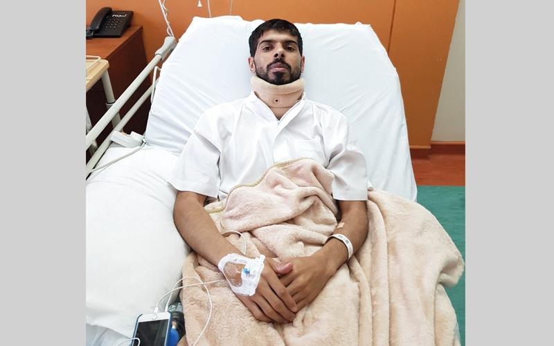 الصورة: «مستشفى صقر» ينقذ مواطناً من الشلل بجراحة عاجلة