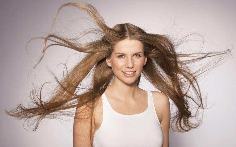 الصورة: صحة الشعر تبدأ من فروة رأسك