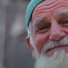 الصورة: بالفيديو.. الرخاء يطيل العمر والفقر يقصره!