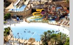 الصورة: حدائق دبي المائية.. منزلقات أفعوانية عبر «نفق مظلم».. وأكبر أنبوب زجاجي في العالم
