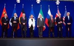 الصورة: ترامب يواجه تحديات تجديد العقــوبات الدولية على إيران