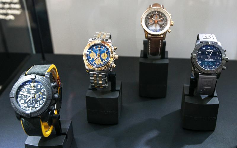 8e89c2553 ساعات اليد.. تنوع كبير يراعي رغبات المستهلكين سعراً وتصميماً ...