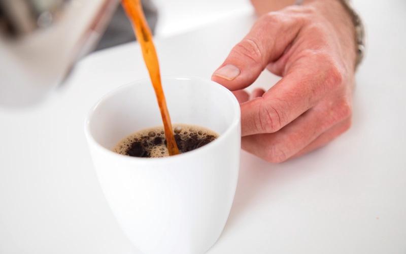 الصورة: المشروبات الساخنة تهدّد بسرطان المريء