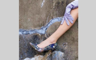 الصورة: 7 نصائح لتنسيق إطلالات الأحذية المزركشة