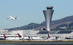 الصورة: لا أحد يستطيع تحدّي قائمة حظر الطيـران الأميركية بسبب «السرية» و«الأمن القـومي»