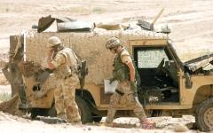 الصورة: جنود بريطانيون متهمون مجدداً بإساءة معاملة معتقلين في العراق