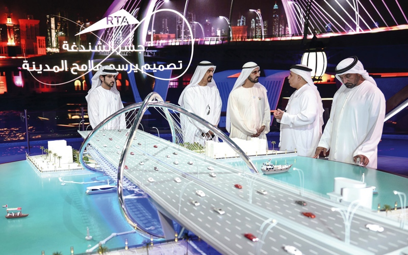 الصورة: محمد بن راشد يدشِّن جسر الشـــــندغة بكلفة 394 مليون درهم