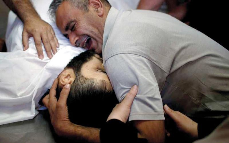 الصورة: استشهاد 3 من جرحى مواجهات «الإثنين»  مع الجيش الإسرائيلي في غزة