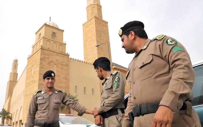 الصورة: السعودية: القبض على 7 أشخاص بتهمة التواصل المشبوه مع الخارج