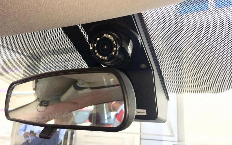 الصورة: طرق دبي تراقب سائقي التاكسي بـ6500 كاميرا