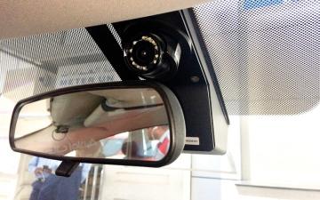 الصورة: 6500 مركبة أجرة بكاميرات مراقبة  لرصد سلوك السائقين