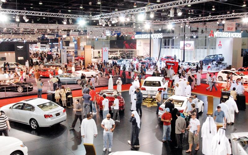 الصورة: وكالات سيارات تتحمّل «القيمة المضافة».. وتتوسّع في عروضها لزيادة المبيعات