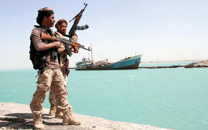الصورة: المقاومة اليمنية تسيطر على معسكر حوثي في «التحيتا» بإسناد إمـاراتي