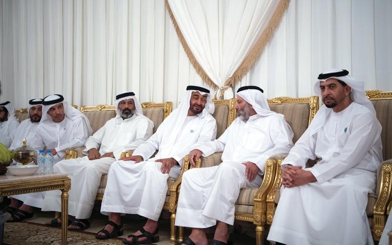 الصورة: محمد بن زايد: شهداء الإمارات الأبرار يسطرون مواقف عظيمة في الشجاعة والإقدام والتضحية