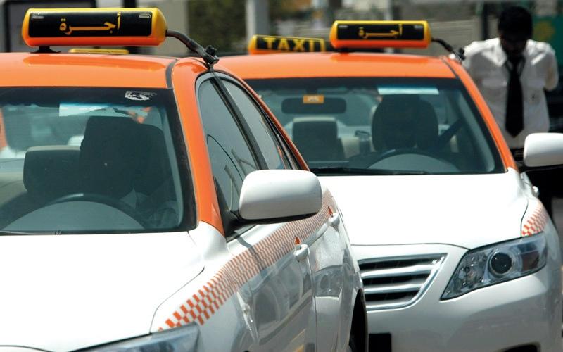 الصورة: مستخدمو مركبات أجرة في عجمان يشكون  زيادة تعرفة «التاكسي»