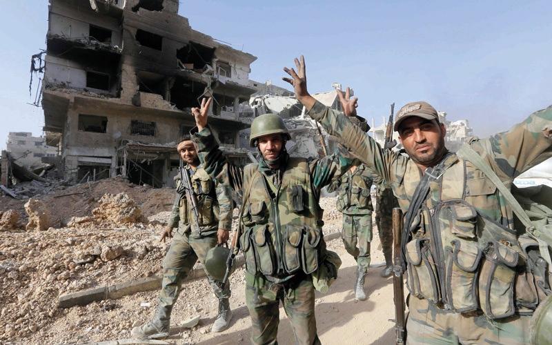 الصورة: الجيش السوري يعلن دمشق ومحيطها «مناطق آمنة» بعد طرد تنظيم «داعش»
