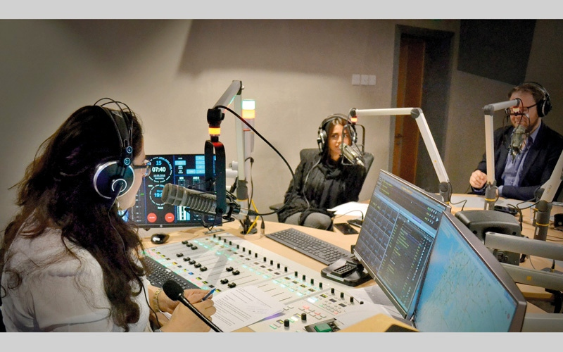 الصورة: إذاعة «بَلْس 95» تشرح رمضان لغير المسلمين