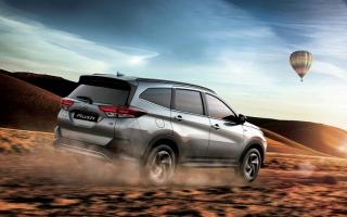 الصورة: «تويوتا Rush» تُحرج المنافسين في فئة «SUV» بسعر يبلغ 68.5 ألف درهم