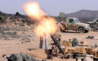 الصورة: المقاومة اليمنية تسيطر على مــطار الحديدة نارياً وسط فرار القيادات الحوثية إلى حجة
