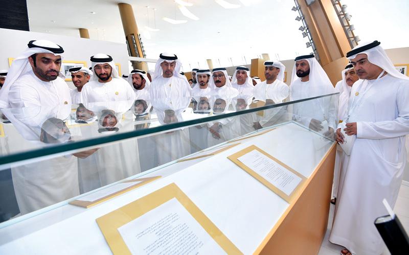 المعرض الذي سيمتد 6 أشهر يضم مجموعة من مقتنيات الشيخ زايد والعديد من الوثائق والصور التي تحكي محطات مختلفة من رحلة ازدهار الإمارات وتطورها. تصوير: باتريك كاستيلو