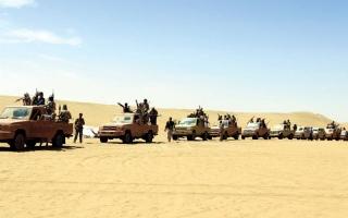 الصورة: دفاعات الميليشيات الحوثية في الحديدة تتهاوى.. والمقاومة على بُعد 6 كم من مطارها