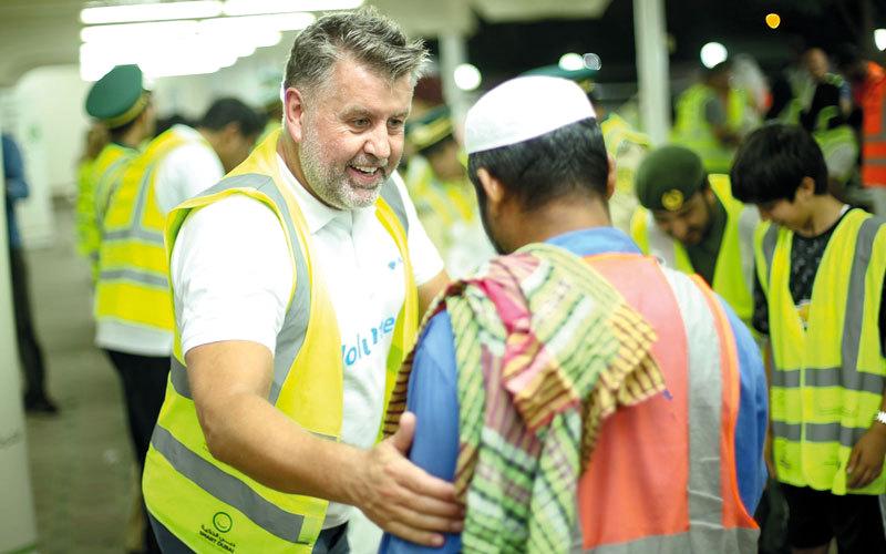الصورة: «سحورهم علينا» توزّع 27 ألف وجبة خلال أول 3 أسابيع من رمضان