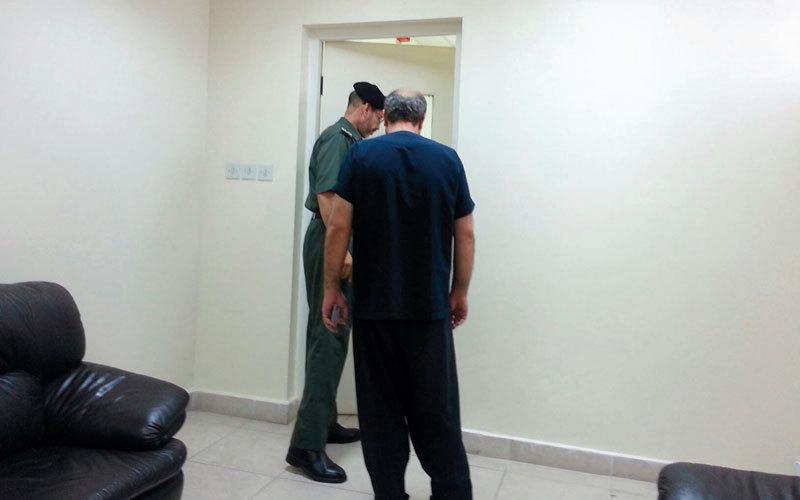 تم التواصل مع سجون الدولة لاختيار السجناء الذين تنطبق عليهم شروط المساعدة.  من المصدر