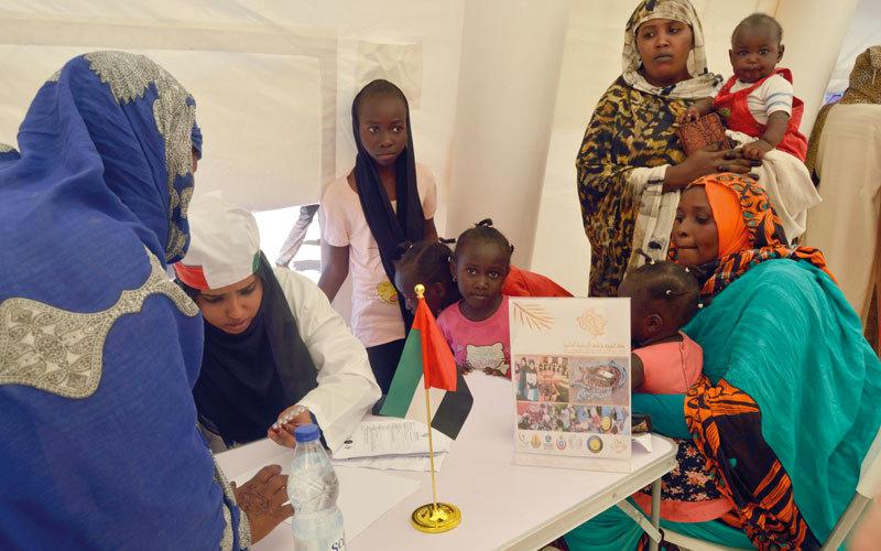 الصورة: «الشيخة فاطمة الإنسانية» تعالج 20 ألف امرأة وطفل في السودان