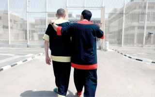 الصورة: «الوليد للعقارات» ومتبرعون يتكفلون بسداد مديونيات 70 سجيناً