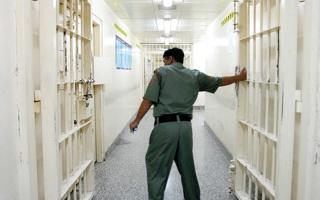 الصورة: «إسلامية دبي» تتكفل بمديونية 11 سجيناً
