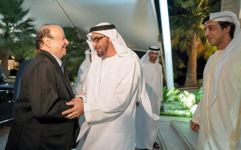 محمد بن زايد يستقبل الرئيس اليمني. وام