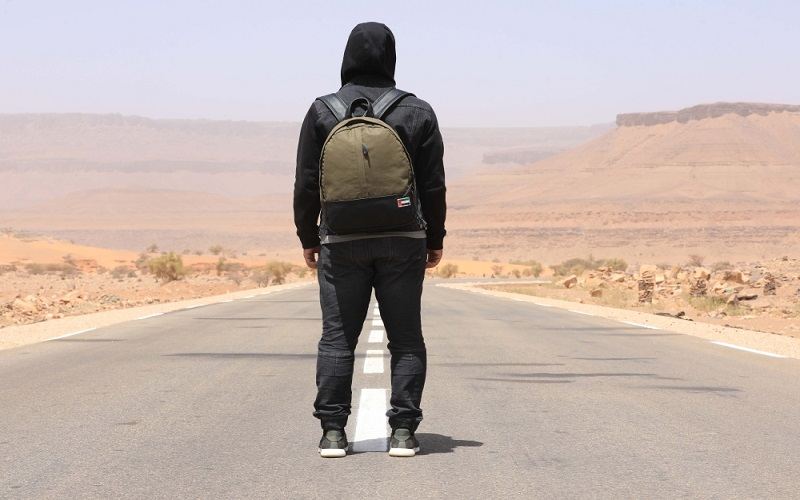 الشاب الإماراتي المتخفي في «قلبي اطمأن» يكشف عن مفاجآت