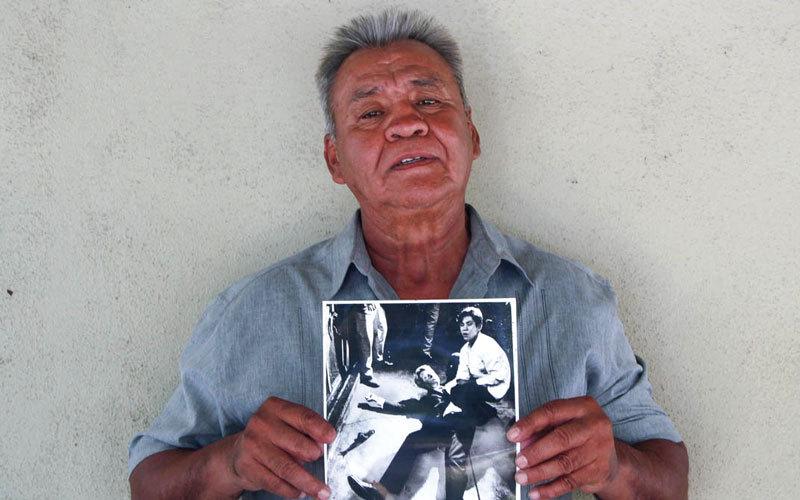 خوان روميرو طارده شعور بالذنب بعد استيقافه كينيدي للمصافحة التي انتهت بمقتله.  أرشيفية