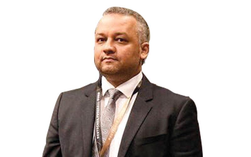 عادل عزت: السعودية ومصر يشاركان في المونديال كـ «فريق واحد»