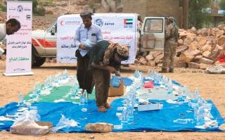 الصورة: «الهلال» تسيّر قافلة مساعدات إغاثية عاجلة لأهالي «الجبلية» في الحديدة