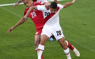 الصورة: الدنمارك تخطف فوزاً غالياً من البيرو