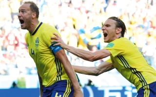 الصورة: السويد تتجنب نحس البدايات بركلة القائد أندرياس