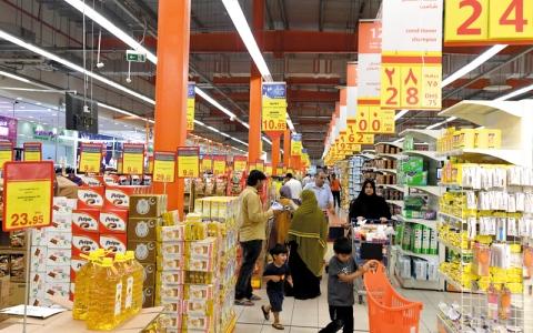 الصورة: «الاقتصاد»: 600 منفذ تجاري كبير تلتزم بـ «مبادرات رمضان»