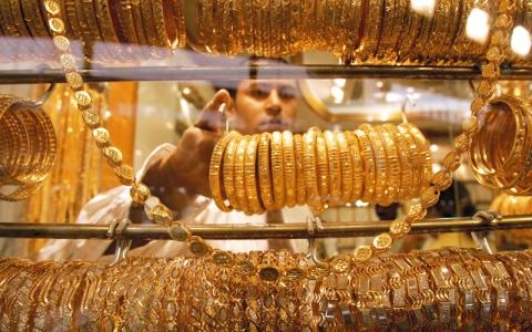 الصورة: 5 دراهم تراجعاً في سعر غرام الذهب خلال 3 أسابيع