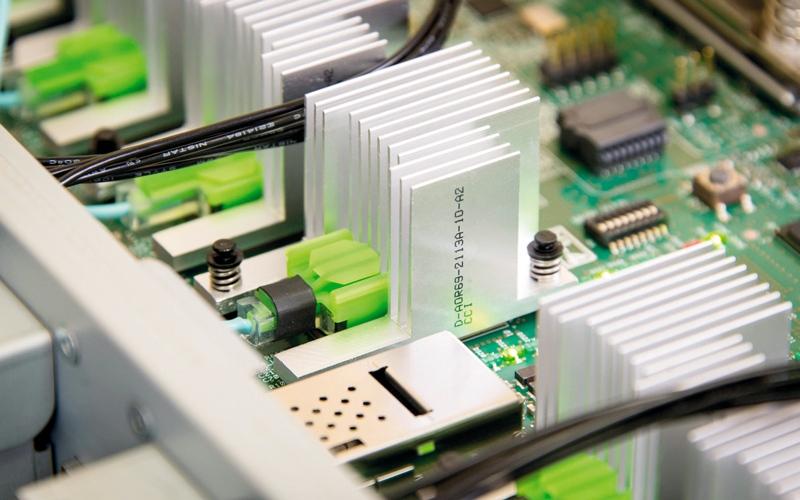 الصورة: «إتش بي» تكشف عن حاسب عملاق فائق الأداء