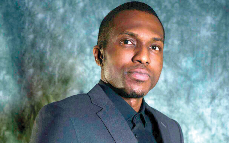 الممثل النيجيري تشوكا إيكويغو. الإمارات اليوم