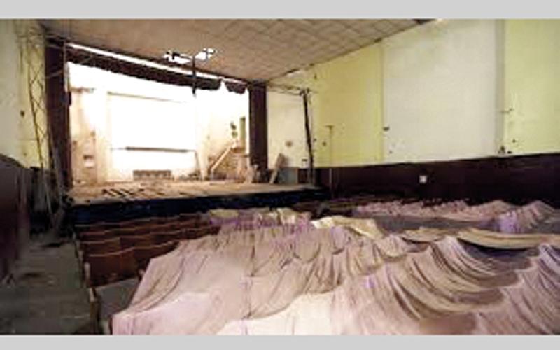 بعد الثورة بعض دور السينما أُغلق وبعض منها دُمر وبعض منها غيَّر نشاطه. أرشيفية