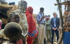 الصورة: لوكوك: 7.6 ملايين لاجئ يحتاجون إلى الإغاثة جنوب السودان
