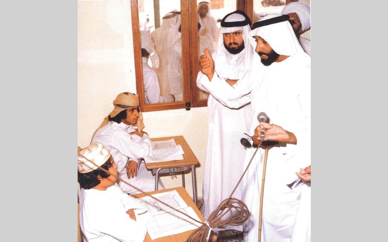 حظي التعليم بمكانة كبرى في فكر ومنهج المغفور له الشيخ زايد.  أرشيفية