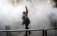 الصورة: إضراب التجار احتجاجاً على التردي الاقتصادي